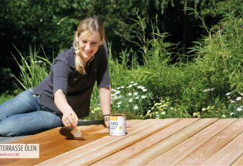 Fit fürs Frühjahr: Terrassen  und Gartenmöbel auffrischen